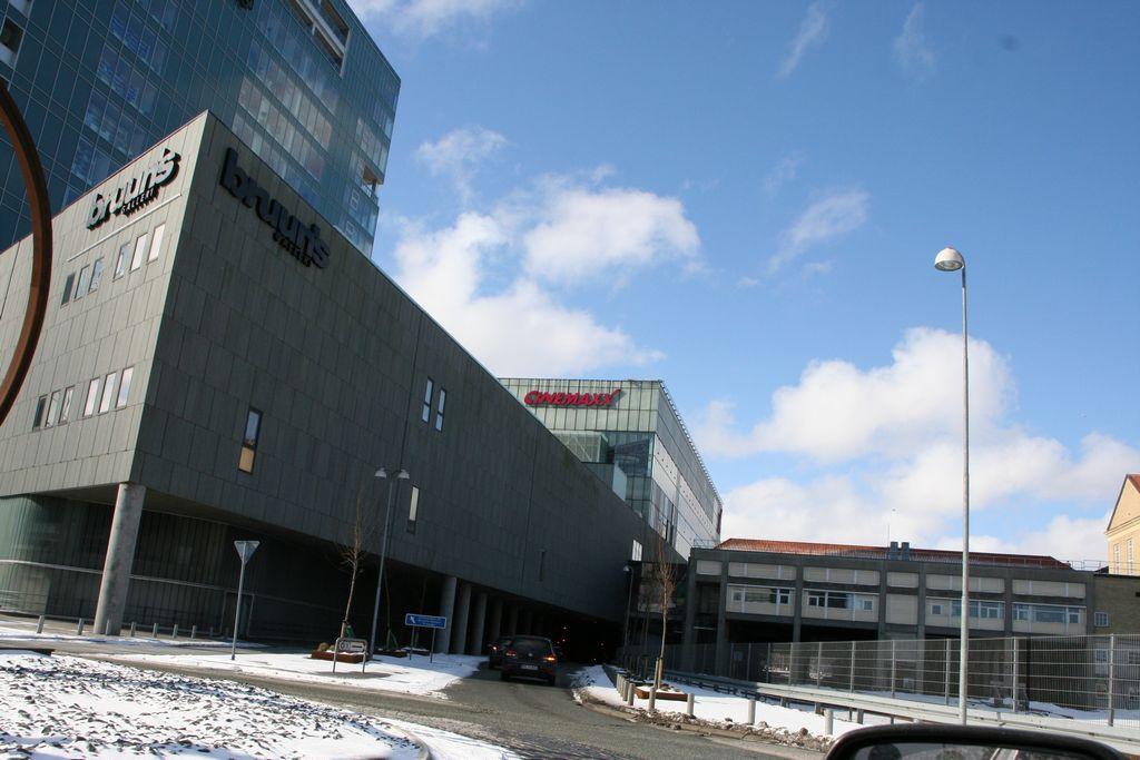 1f6856389 Bruuns Galleri parkeringshus | ParkeringsInfo.dk